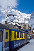 On the platform near the train Interlaken - Grindelwald, Swiss — Stock Photo