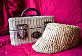 Hasır şapka ve hasır gövde — Stok fotoğraf
