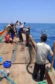 Nha Trang, Vietnam - May 5, 2012: Fishermen are trawling for tuna fish in the sea of Nha Trang bay in Vietnam — Stock Photo
