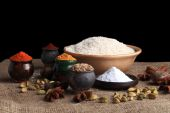 Rice and spices — Stock Photo