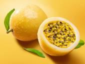 Maracuja  passion-fruit — Stock Photo