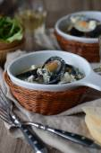 Mussels with Roquefort — Stock Photo