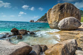 Rocky beach view of Koh Tao island Thailand — Stock Photo