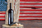 Bottle of wine with United States flag — Stock Photo