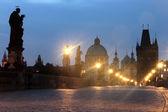 Czech republic prague, charles bridge at dawn — Stock Photo