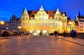Yeşil kapı Dlugi Targ Meydanı, Gdansk, Polonya. — Stok fotoğraf