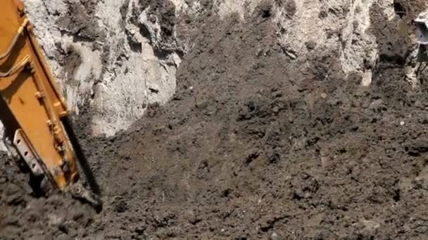Mexico City, Mexico-July 2014: Close up Bulldozer digging on the ground. — Vidéo