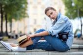 Hipster woman in park fashion city style — Stock Photo