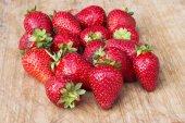 Bunch of strawberries — Stock Photo