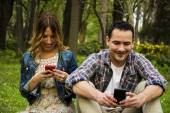 Couple texting messages — Stock Photo
