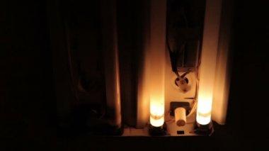 Broken old fluorescent bulbs flashing — Stock Video