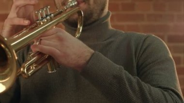 Man Playing trumpet. — Stock Video
