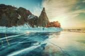 Buzlu buzlu göl güneş doğarken — Stok fotoğraf