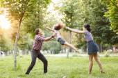 Throw the baby in the park — Stock Photo