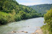 Broad mountain river — Stock Photo