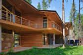 Chalet in the woods — Stockfoto