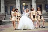 Wedding couple , groomsman and  bridesmaid — Stock Photo