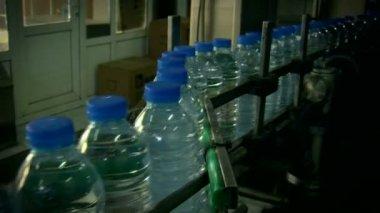 Water bottles in factory — Stock Video