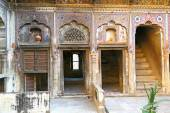 Courtyard of an old haveli — Stock Photo