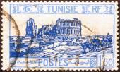Römische Amphitheater auf alten tunesischen Briefmarke — Stockfoto