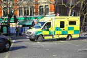 Ambulance emergency van at street in London — Stock Photo