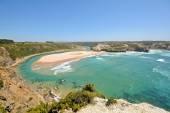 Algarve: Panoramic view to Praia de Odeceixe, Surfer beach and little village near Aljezur, Portugal — 图库照片