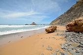 Algarve: Rocks at Surfer beach Praia do Castelejo near Sagres, Portugal — 图库照片
