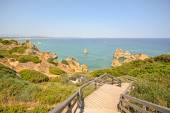 Algarve: Stairs to beach Praia do Camilo near Lagos, Portugal — 图库照片