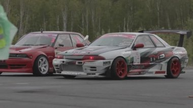 Racing car on the parking — Stock Video