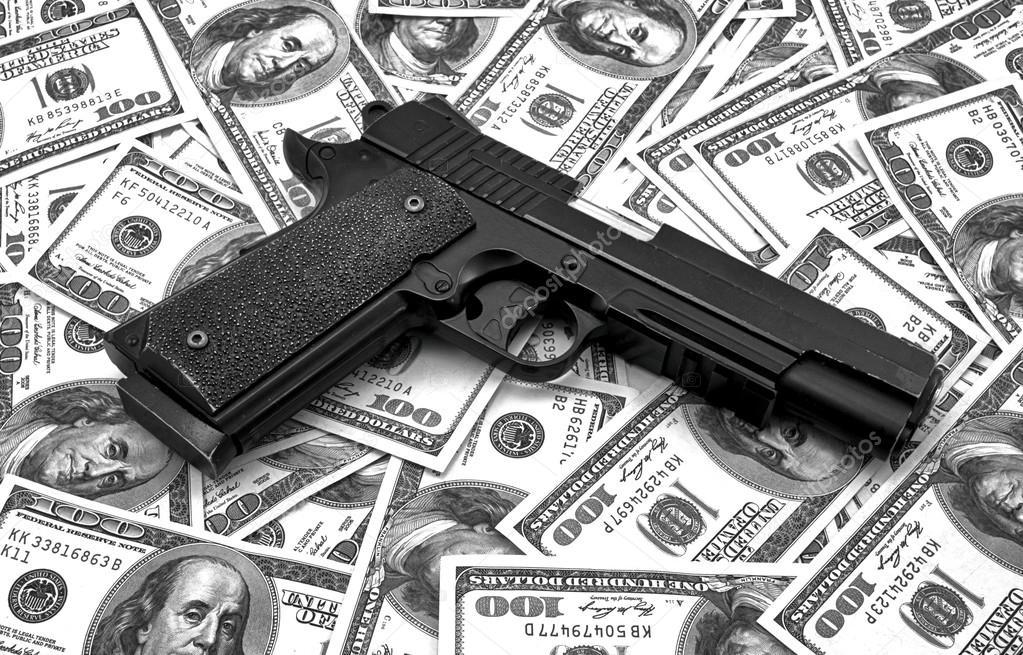 Guns and money wallpaper