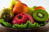 Fruits sur fond blanc — Photo