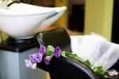 Bridal veil and the flowers in a beauty salon — Stock Photo
