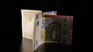 Torneamento de notas de euro — Vídeo stock