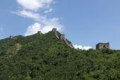 Beijing Great Wall in China, the majestic Great Wall, a symbol of China. — Stock Photo