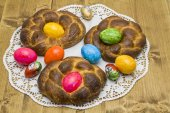 Easter pastry with Easter egg — Stock Photo