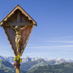 Wooden cross in Karwendel — Stock Photo #74027627