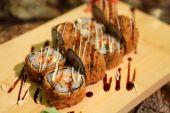 Vynikající Ebi Tempura maki sushi rolky — Stock fotografie