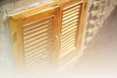 Finestra con sfondo Soft Focus colore filtrato — Foto Stock