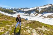 Woman in Folgefonna glacier — Stock Photo