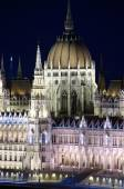 Budapest, Spires And Dome Of Hungarian Parliament — Stock Photo