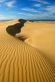 Sand dunes with mirage — Stock Photo