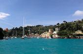 Färgglada hamnen på Portofino, Ligurien, Italien. Visa från havet — Stockfoto