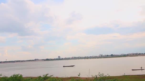 Fisherman in lao — Vídeo de stock