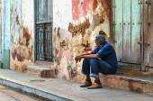 Cuban man resting in shadow — Stock Photo