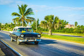 Car on one of the streets of Varadero — Stock Photo