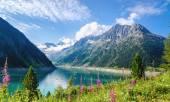 Crystal clear alpine lake Schlegeis, Austria — Stock Photo