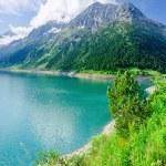 Azure mountain lake and high Alpine peaks, Austria — Stock Photo #72856287