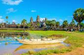 Angkor Wat with old boat , Siem Reap, Cambodia — Stock Photo