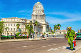 Cuban soldier against the Capitol in Havana, Cuba — Stock Photo