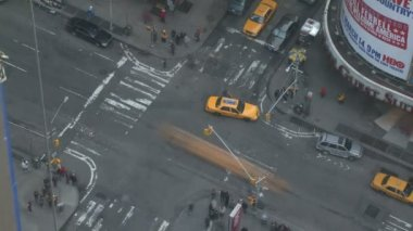 Intersection of 7th Avenue and 47th Street in Times Square — Video Stock